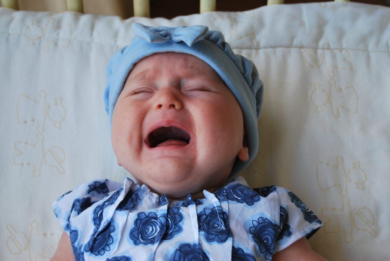 Vacanze in famiglia bambino piange